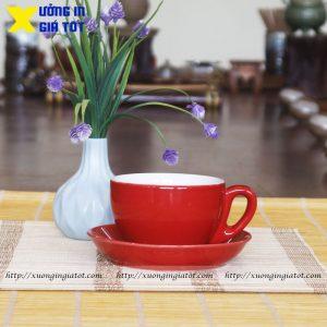 Tách cà phê Cappuccino đỏ